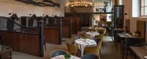 Restaurant met vloerverwarming op bestaande houten balken