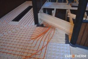 Aansluiten kunststof vloerverwarming verdeler