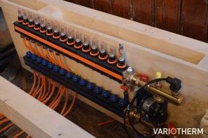 Variotherm kunststof vloerverwarming verdeler met veel groepen